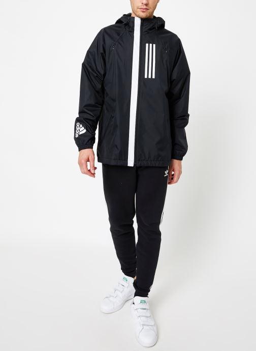 Vêtements adidas performance M Wnd Jkt Lined Noir vue bas / vue portée sac