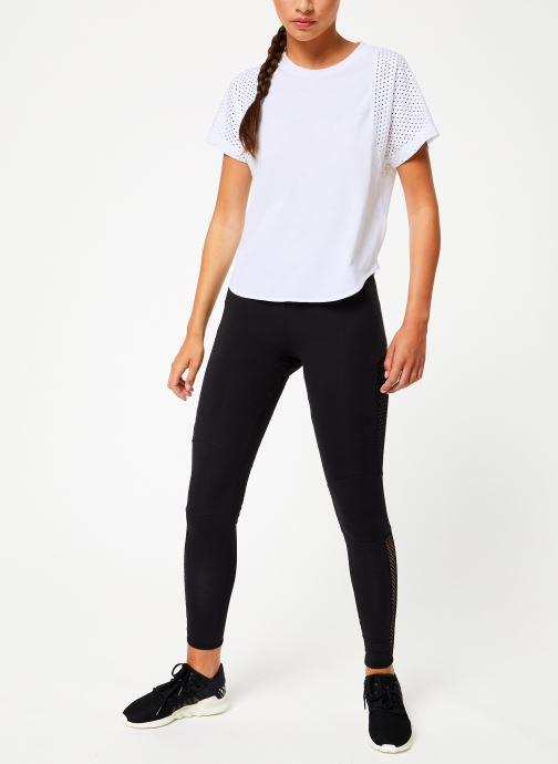 Vêtements adidas performance W Id Mesh Tee Blanc vue bas / vue portée sac