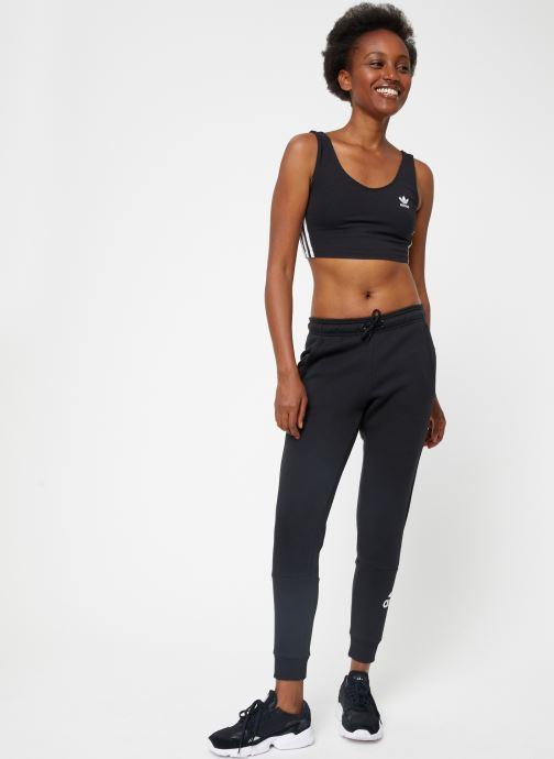 Vêtements adidas performance W Mh Bos Pant Noir vue bas / vue portée sac