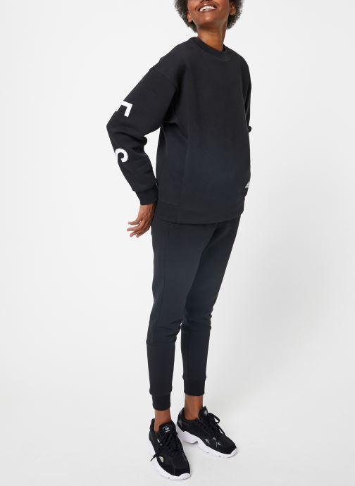Vêtements adidas performance W S2S Swt Crew Noir vue bas / vue portée sac