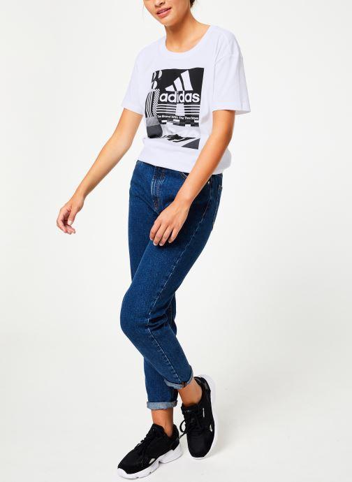 Vêtements adidas performance W Mh Graphic T Blanc vue bas / vue portée sac
