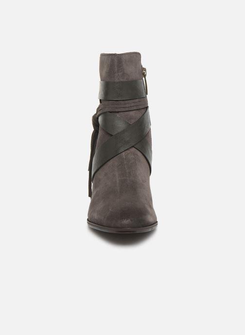 Bottines et boots Tamaris Sandy Gris vue portées chaussures