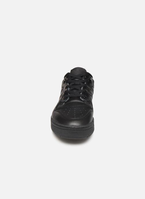 Baskets adidas originals Rivalry Low Noir vue portées chaussures