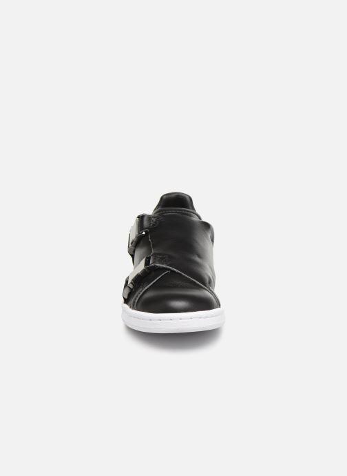 Sneakers adidas originals Stan Smith Bckl W Nero modello indossato