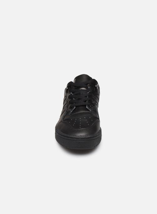 Baskets adidas originals Rivalry Low W Noir vue portées chaussures