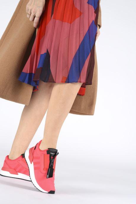 Sneaker adidas originals U_Path Run Zip W rosa ansicht von unten / tasche getragen