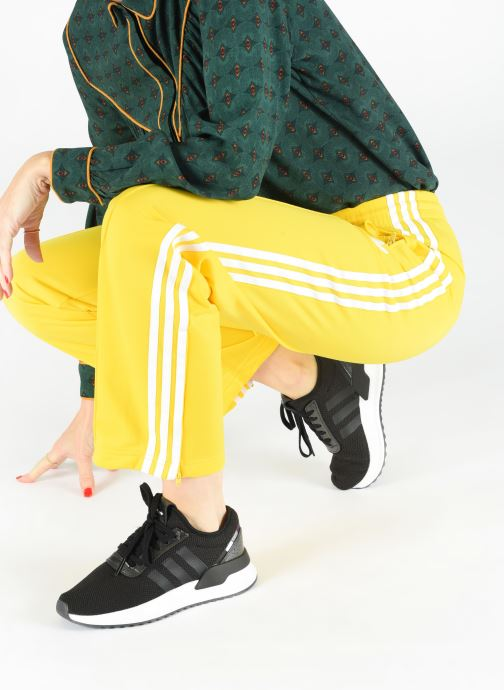 Baskets adidas originals U_Path X W Noir vue bas / vue portée sac