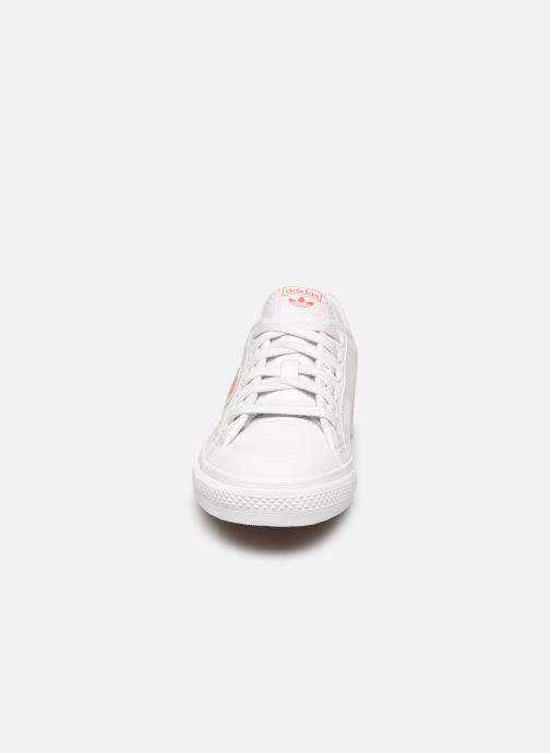 Baskets adidas originals Nizza Trefoil W Blanc vue portées chaussures