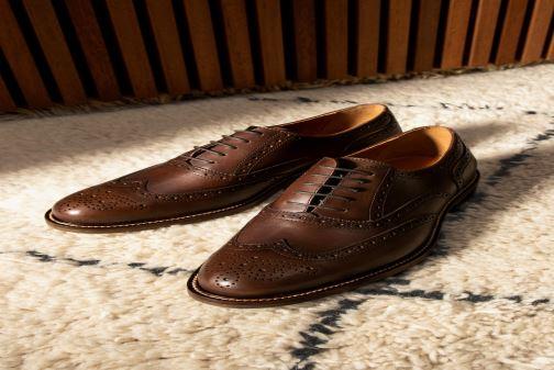 Chaussures à lacets Marvin&Co Rossano Marron vue bas / vue portée sac