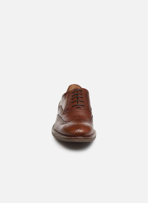 Scarpe con lacci Marvin&Co Rossano Marrone modello indossato