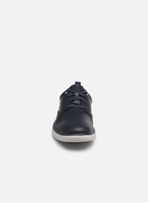Baskets Cloudsteppers by Clarks Tunsil Lane Bleu vue portées chaussures