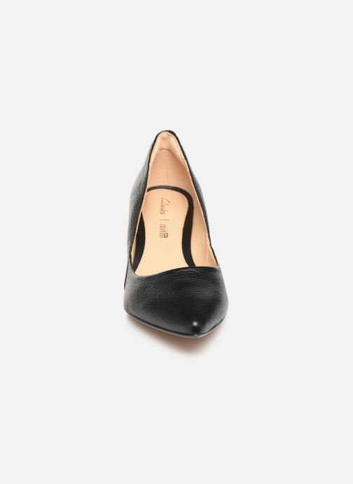 Escarpins Clarks Ellis Rose Noir vue portées chaussures