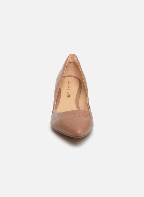 Escarpins Clarks Ellis Rose Beige vue portées chaussures