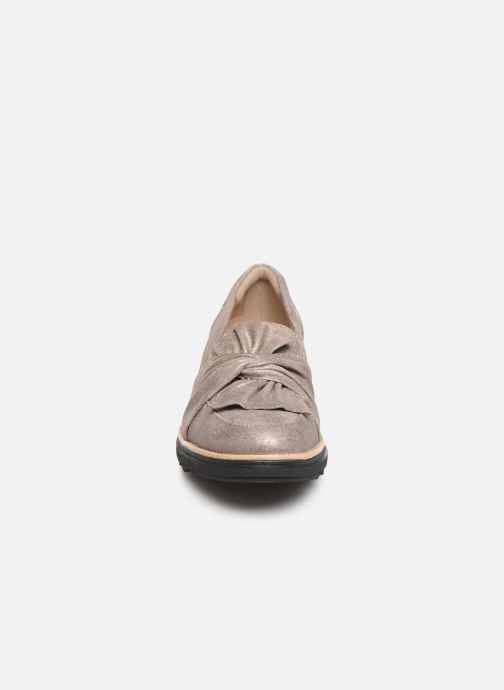 Mocassins Clarks Sharon Dasher Beige vue portées chaussures