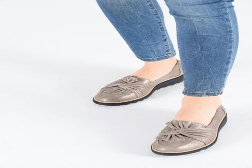Loafers Clarks Sharon Dasher Grey view from underneath / model view