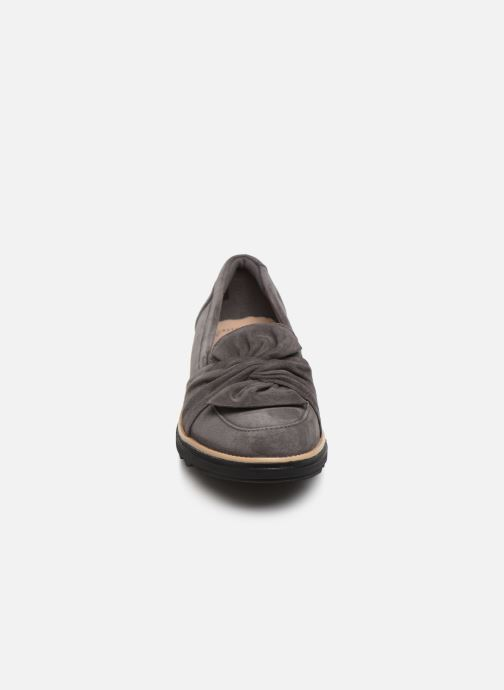 Mocassins Clarks Sharon Dasher Gris vue portées chaussures