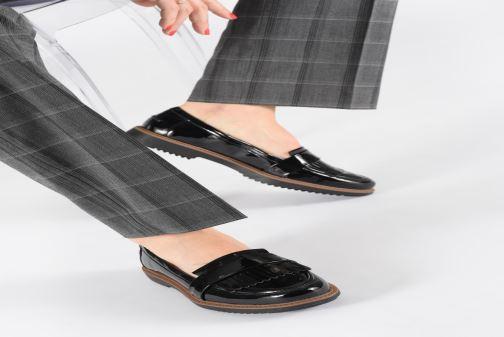 Slipper Clarks Raisie Theresa schwarz ansicht von unten / tasche getragen