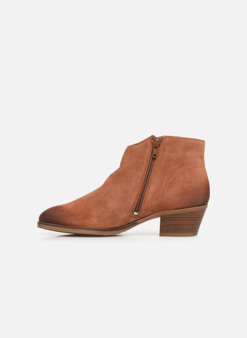 Boots en enkellaarsjes Clarks Mila Myth Bruin voorkant