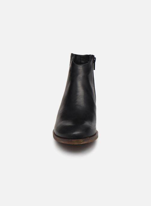 Bottines et boots Clarks Mila Myth Noir vue portées chaussures