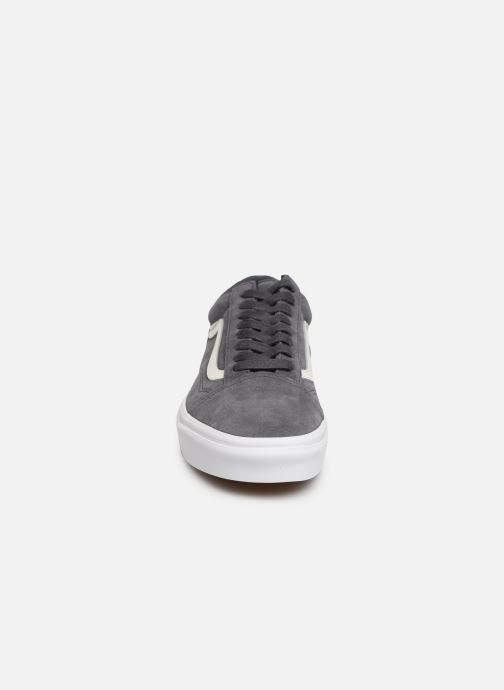 Baskets Vans Old Skool (Soft Suede) Gris vue portées chaussures