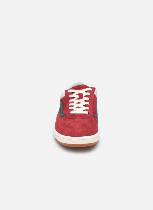 Baskets Vans Cruze CC (Suede) Rouge vue portées chaussures