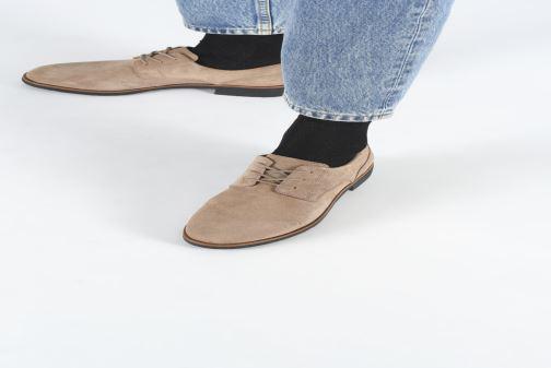 Chaussures à lacets Clarks Griffin Lane Beige vue bas / vue portée sac