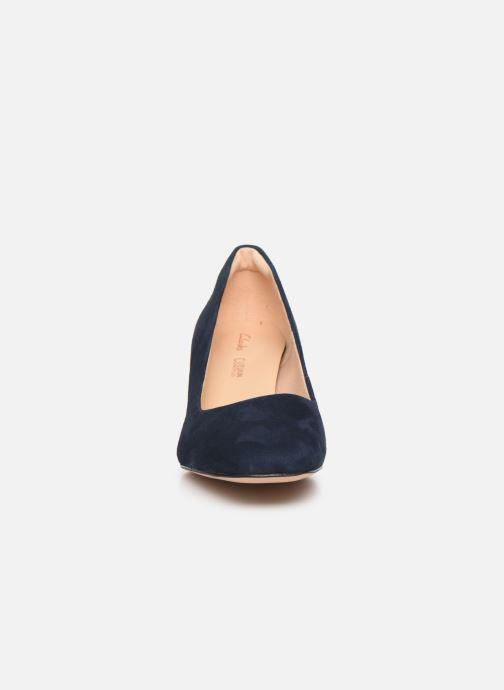 Zapatos de tacón Clarks Sheer Rose Azul vista del modelo