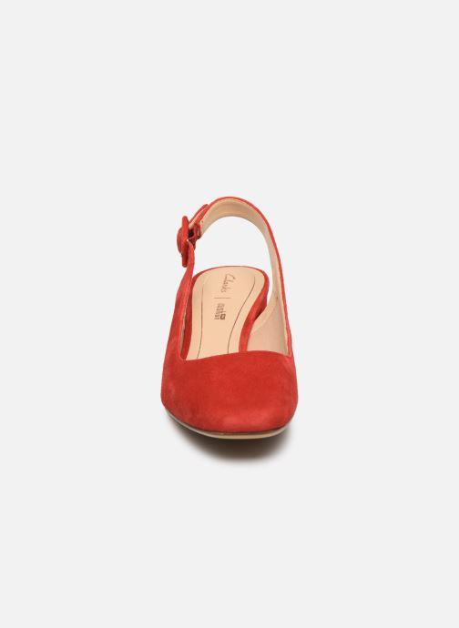 Escarpins Clarks Sheer Violet Rouge vue portées chaussures