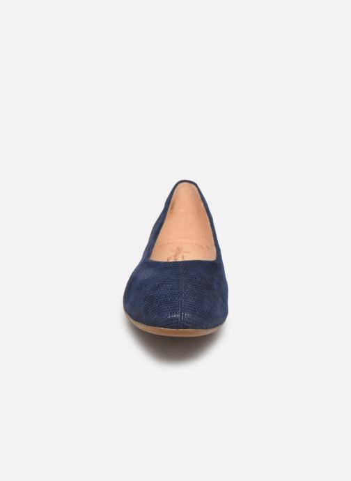 Ballerines Clarks Chia Violet Bleu vue portées chaussures