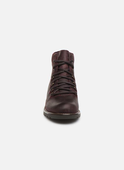 Bottines et boots Clarks Orinoco Demi Bordeaux vue portées chaussures