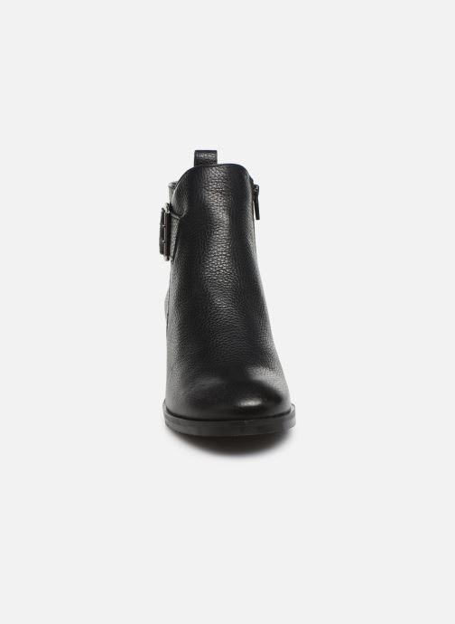 Bottines et boots Clarks Mila Charm Noir vue portées chaussures