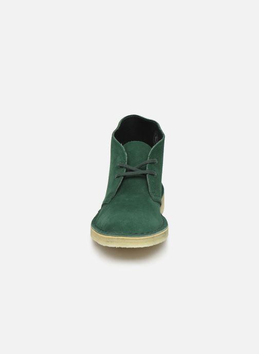 Botines  Clarks Originals Desert Boot. Verde vista del modelo