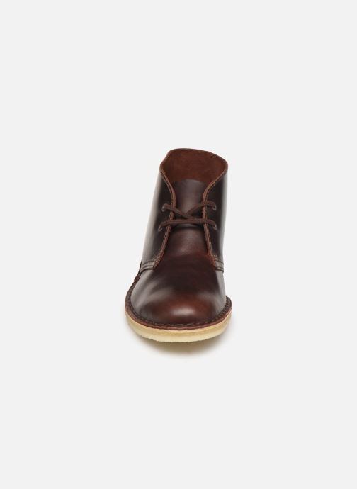 Botines  Clarks Originals Desert Boot. Marrón vista del modelo