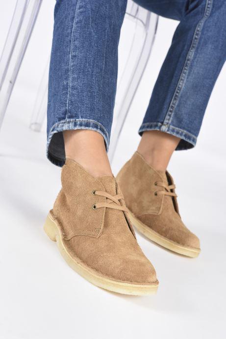 Bottines et boots Clarks Originals Desert Boot. Marron vue bas / vue portée sac