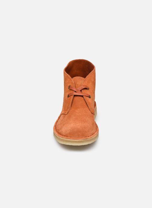 Botines  Clarks Originals Desert Boot. Naranja vista del modelo