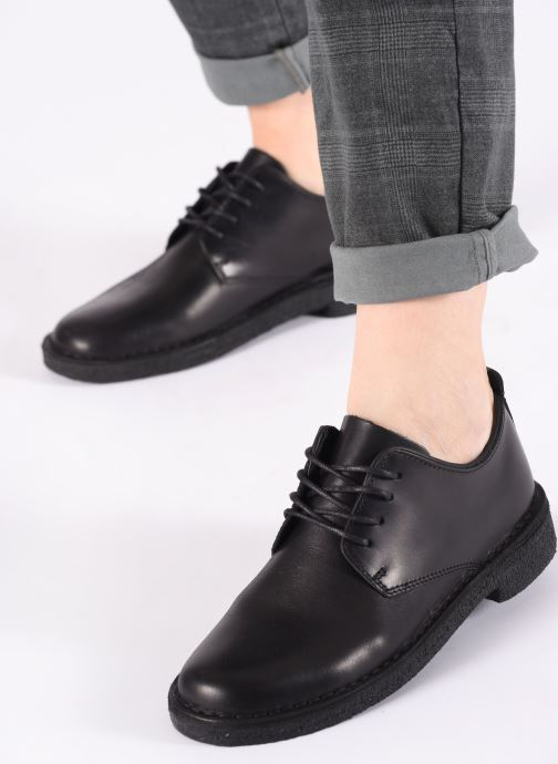 Lace-up shoes Clarks Originals Desert London. Black view from underneath / model view