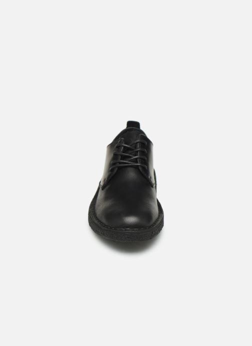 Chaussures à lacets Clarks Originals Desert London. Noir vue portées chaussures