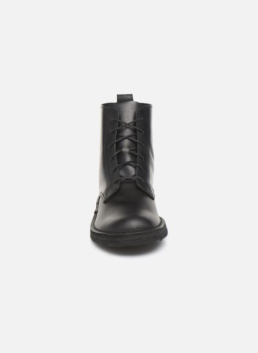 Ankle boots Clarks Originals Desert Mali. Black model view