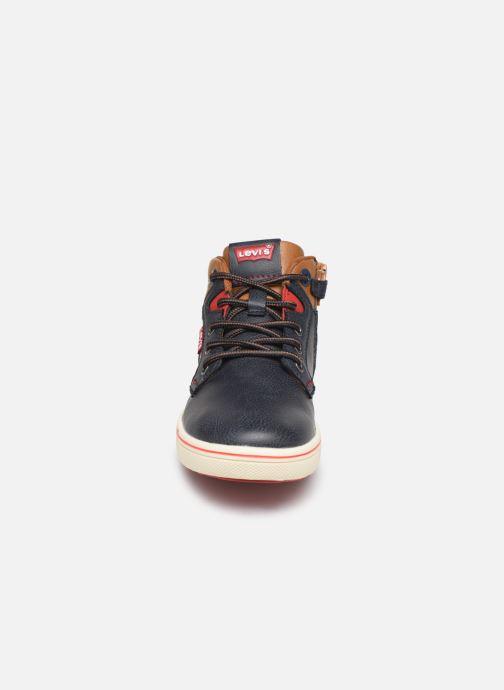 Baskets Levi's New Portland Bleu vue portées chaussures