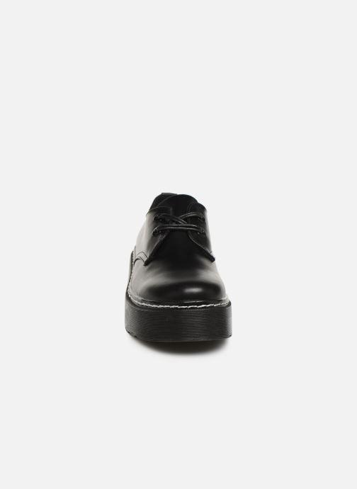 Scarpe con lacci MTNG 50713 Nero modello indossato