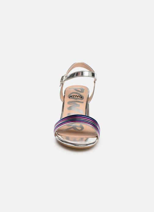 Sandali e scarpe aperte MTNG 57825 Argento modello indossato