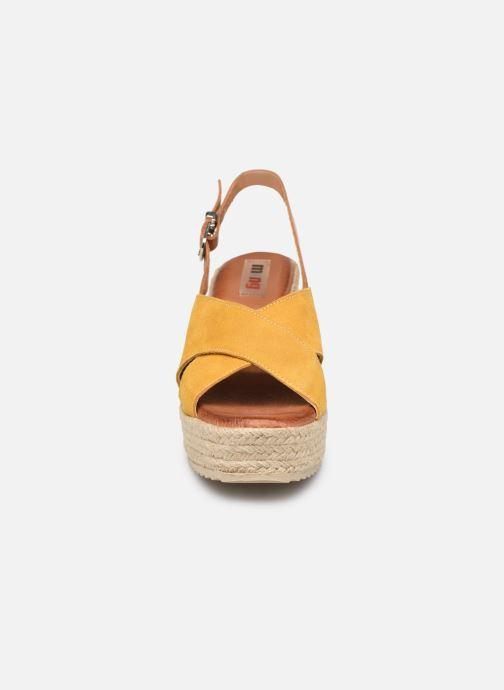 Espadrilles MTNG 58873 Jaune vue portées chaussures