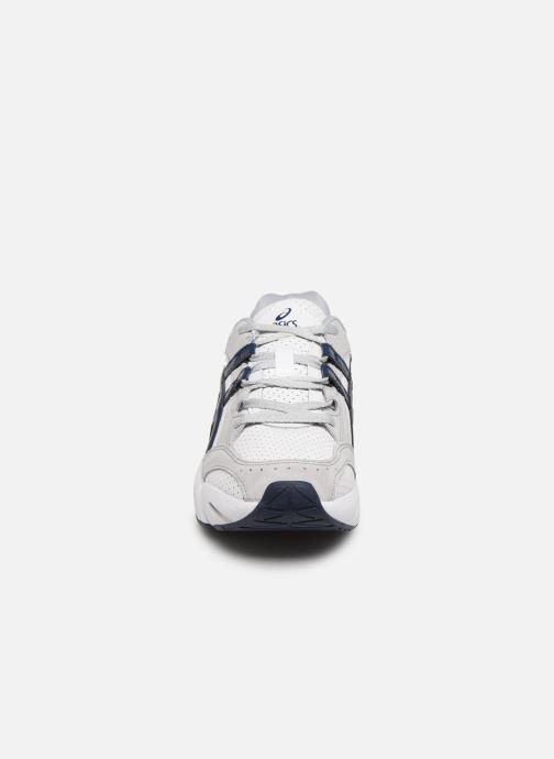 Sneakers Asics Gel-BND Bianco modello indossato