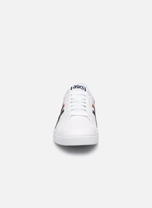 Sneakers Asics Classic CT Bianco modello indossato