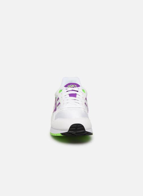 Baskets Asics Gelsaga M Blanc vue portées chaussures