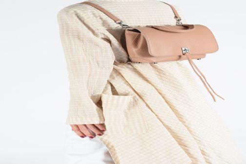 Sacs à dos Rebecca Minkoff Medium Darren Conv Backpack Beige vue bas / vue portée sac