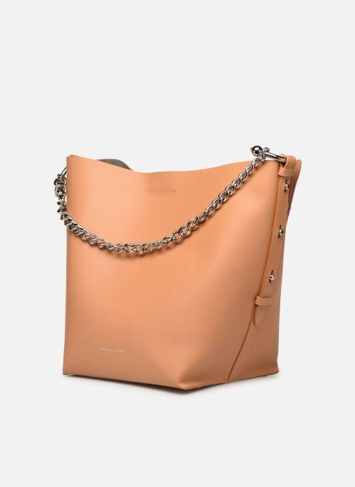 Bolsos de mano Rebecca Minkoff Feedbag W Chain Handle Nappa Marrón vista del modelo