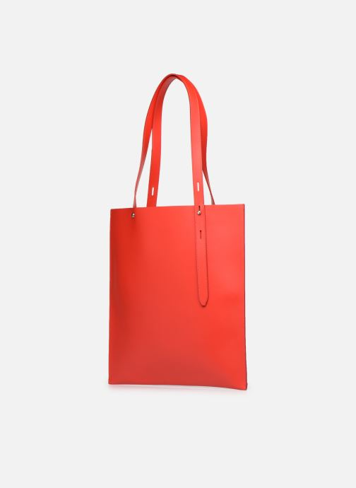 Sacs à main Rebecca Minkoff Uri Tote - Flat Pocket Tote Nappa Rouge vue portées chaussures