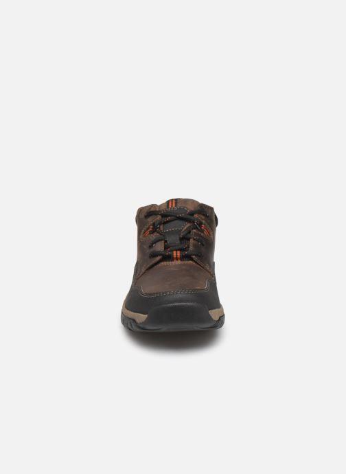 Baskets Clarks WalbeckEdge II Marron vue portées chaussures