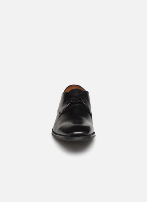 Schnürschuhe Clarks Gilman Walk schwarz schuhe getragen